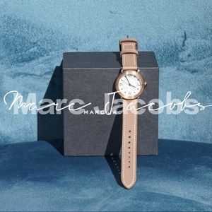 NWOT Marc Jacobs Riley Leather Strap Watch 28mm